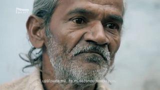 Svoju ženu polial kyselinou! (India)