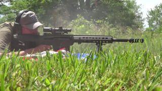 Ako nestrieľať z pušky kalibru 50 BMG