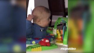 Nová hračka pre malého Noah