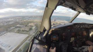 Pristávanie s Boeingom 737 pri bočnom vetre 50 km/h