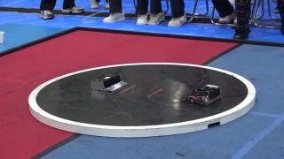 Epické súboje japonských sumo mini-robotov