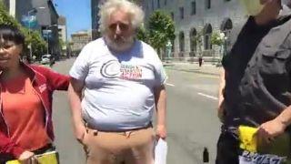 Protestujúcich dal do pozoru motorkár (San Francisco)