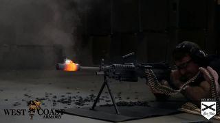 Roztavený tlmič na guľomete M249 SAW