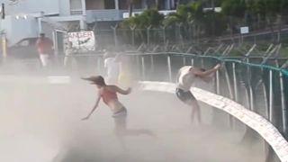 video Mladá žena si myslela, že prúdu vzduchu odolá! (Sv. Martin)