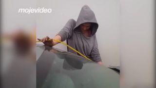 Kradla benzín do kradnutého auta! (Aljaška)