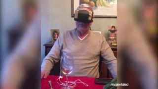 Vyskúšal si VR počas večere!