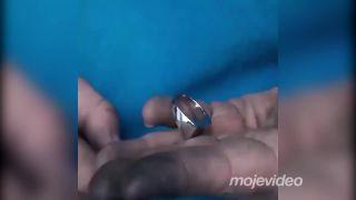 Ruský kutil vyrába snubný prsteň z matice