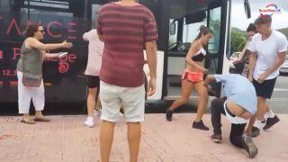 Guma v gatiach dostala zabrať (Ibiza)