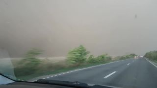Rumunsko zasiahla extrémne silná búrka
