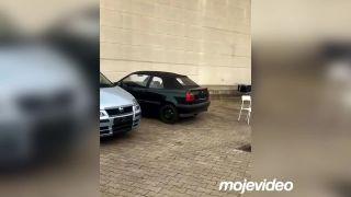 Do kufra staršieho Volkswagenu dal veľkú petardu!