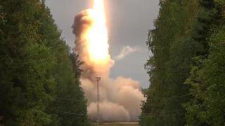 Strategická medzikontinentálna raketa RS-24 Jars